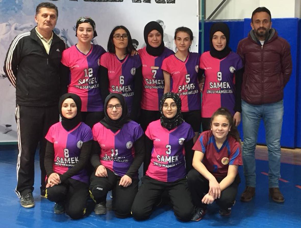 Voleybol'da Kızlarımız Yarı Finaldeki Rakiplerini Bekliyor.