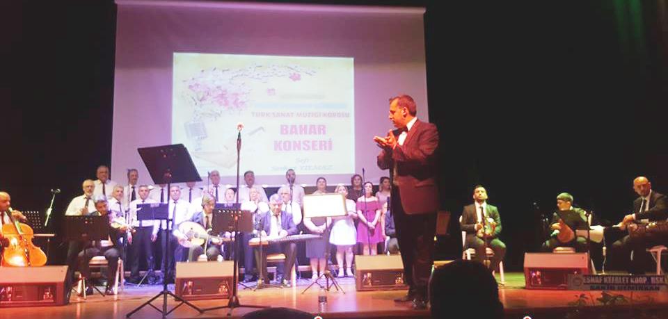 Vezirköprü Müzik ve Sanat Derneği Türk Sanat Müziği Korosu Bahar Konseri Düzenledi