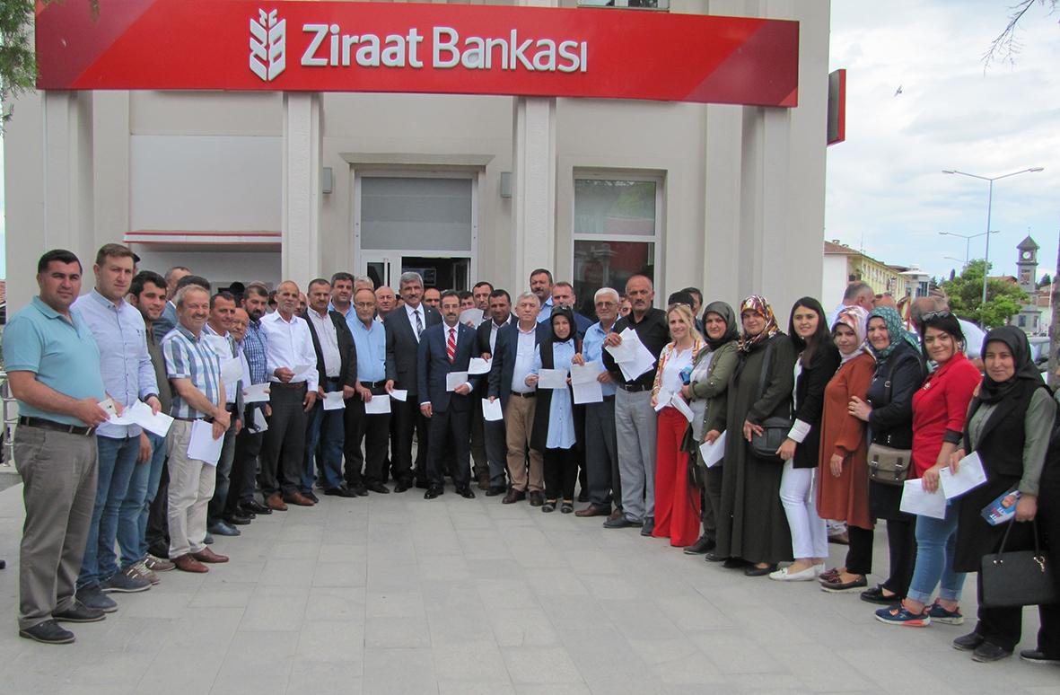 Cumhurbaşkanı Erdoğan'a 600 Kişi Para Yardımında Bulundu