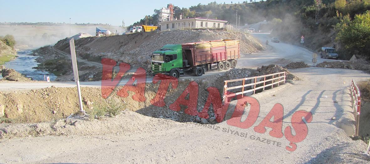 Yıkılma tehlikesi geçiren Çalköy Köprüsü yapılıyor..
