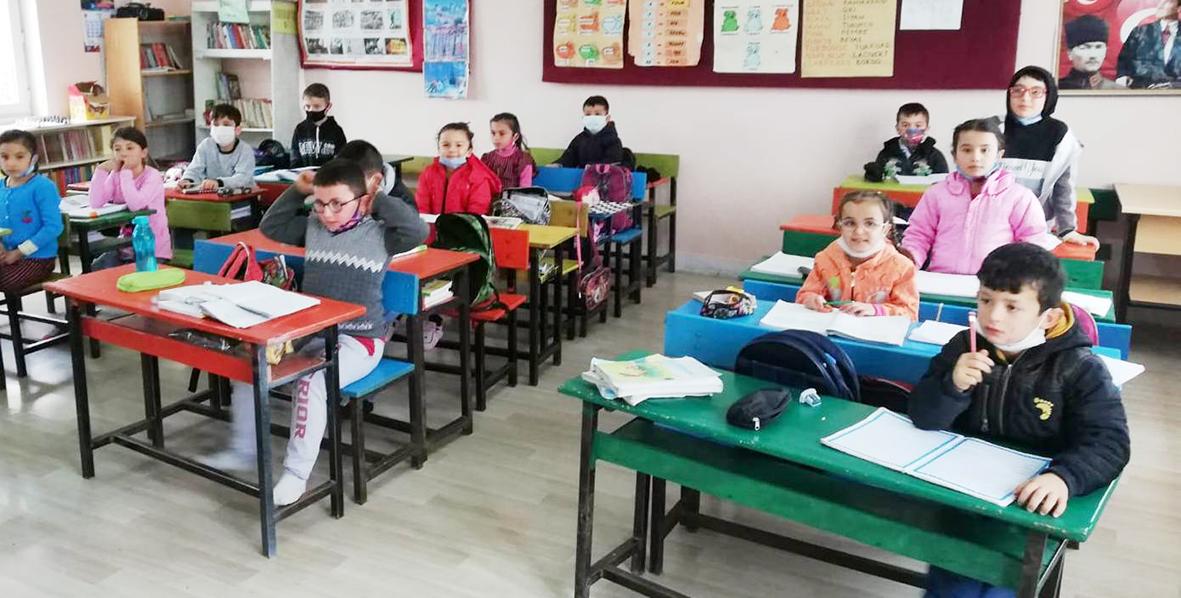 Okullar Açılmadan Tatile Girdi