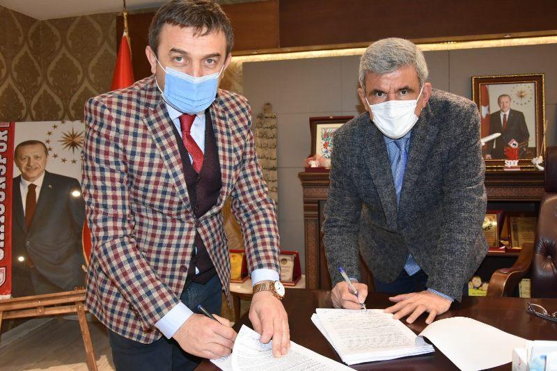 Vezirköprü Belediyesi'nde imzalar atıldı. İşçiye yüzde 21.56'lık Zam Yapıldı