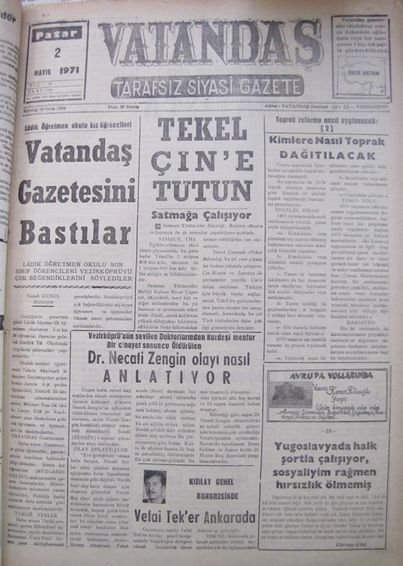 Lâdik Öğretmen Okulu  kız öğrencileri Vatandaş Gazetesini Bastılar 2 Mayıs 1971 Pazar