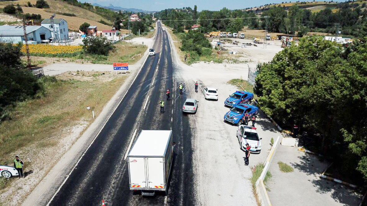Vezirköprü Jandarma'sı Bayramda 'Dron'lu Denetim Yaptı